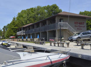 Kit-Wat Motel, Restaurant and Marina