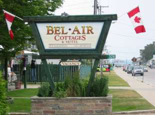 Belair Motel & Cottages